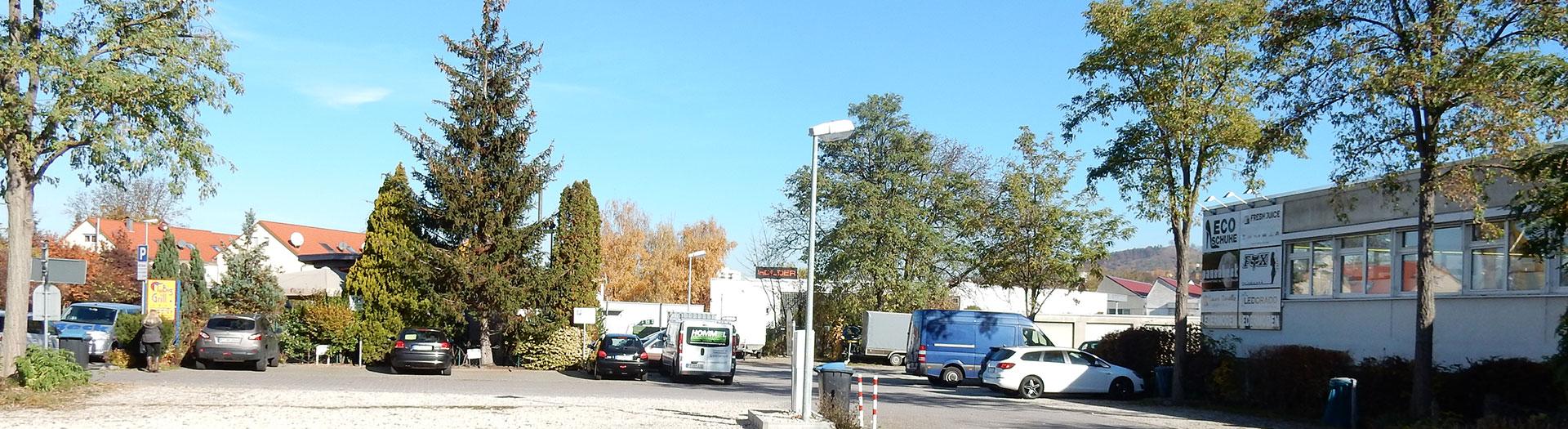 outlet-center-stuttgarter-str60-60-seite-nuertinger-str-parkplatz1